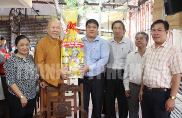 Lãnh đạo Quận 4 thăm các cơ sở Phật giáo nhân Đại lễ Vu Lan